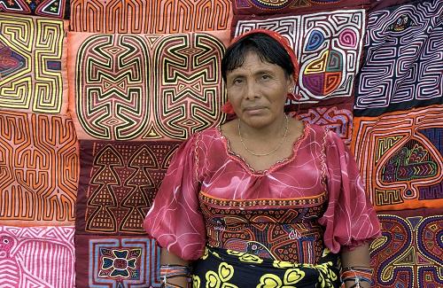 Ngobe vrouw, Panama City