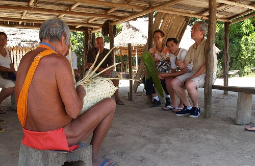 Indianen in Palumeu, Suriname